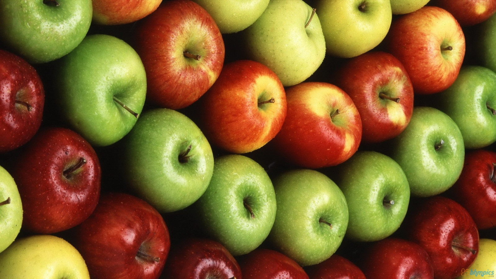 Ябълка – любимата свежа нотка на всички парфюмеристи
