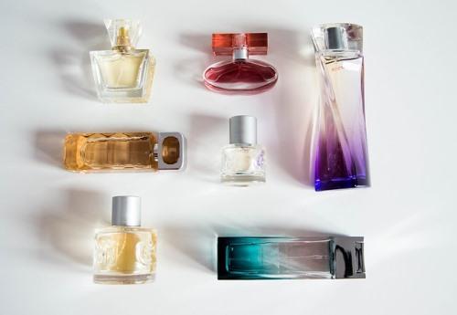 Какво означават EDP и ЕDT – разликата между парфюм и тоалетна вода
