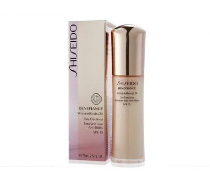 Shiseido Benefiance WrinkleResist24 Day Emultion SPF 15  Дневна емулсия за лице